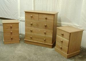 For your bedroom we can offer you various styles of oak wardrobes, dressing tables, chests of drawers, blanket chests and beds.