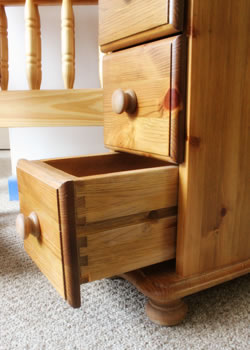 Devonshire's small, independent manufacturer & retailer of Pine, Oak and Painted furniture.